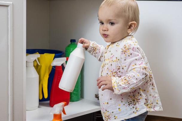 皮膚殘留清潔劑,容易造成嬰兒對食物過敏