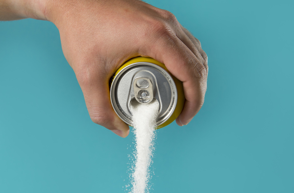 哈佛研究:每日喝2罐含糖飲料,心臟病早死率大增31%,女性早死機率高達63%